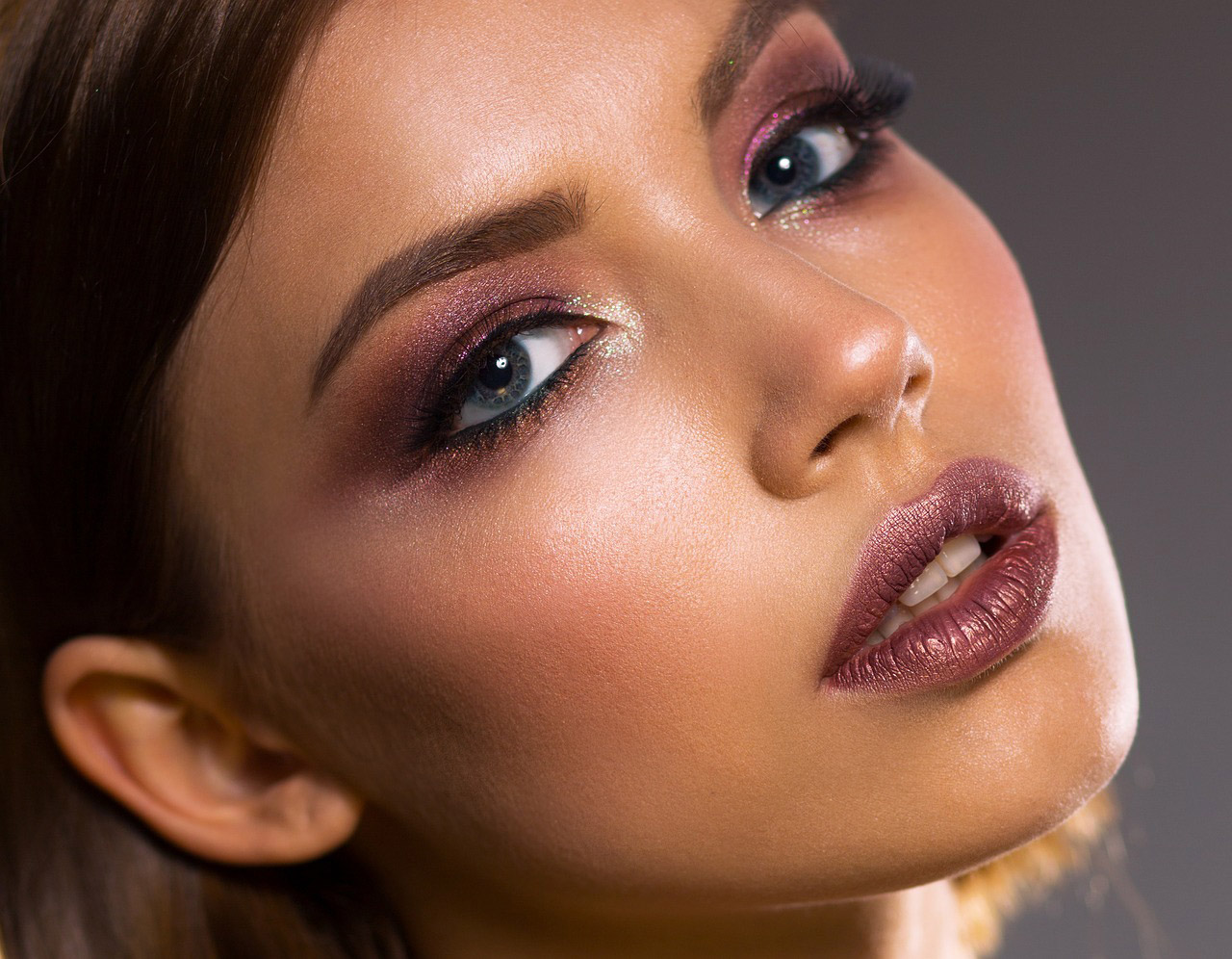 profesjonalny makijaż permanentny brwi