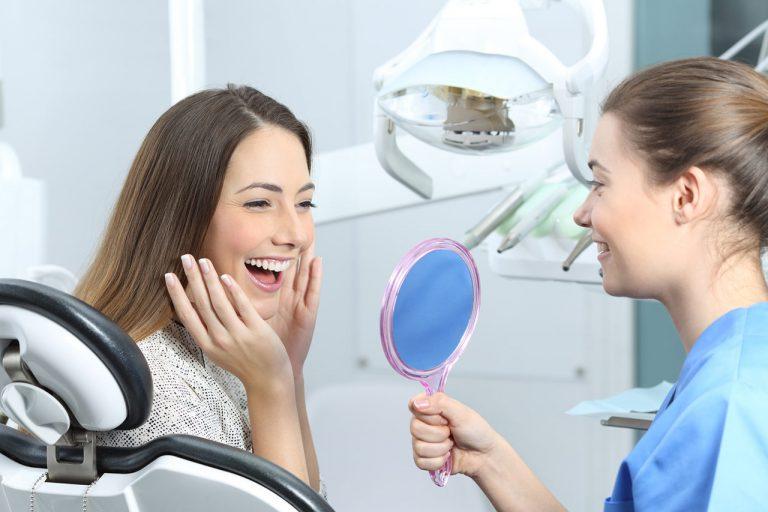 piękne zęby - implanty